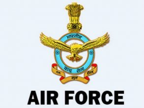 ভারতীয় বিমান বাহিনীর এয়ার মার্শাল আর ডি মাথুর ঢাকায়