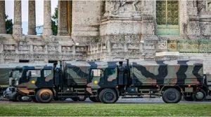 ইতালির ঘরে ও গির্জায় লাশের পাহাড়: ট্রাকে ভরে লাশ নিয়ে যাচ্ছে সেনাবাহিনী